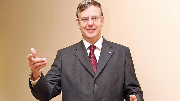 Dosavadního rektora brněnské Veterinární a farmaceutické univerzity Vladimíra Večerka (na snímku) nahradí Pavel Suchý.