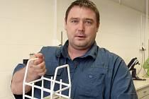 Jeden z vědců, kteří pracují na výzkumu zpracovávání odpadních materiálů Tomáš Opravil
