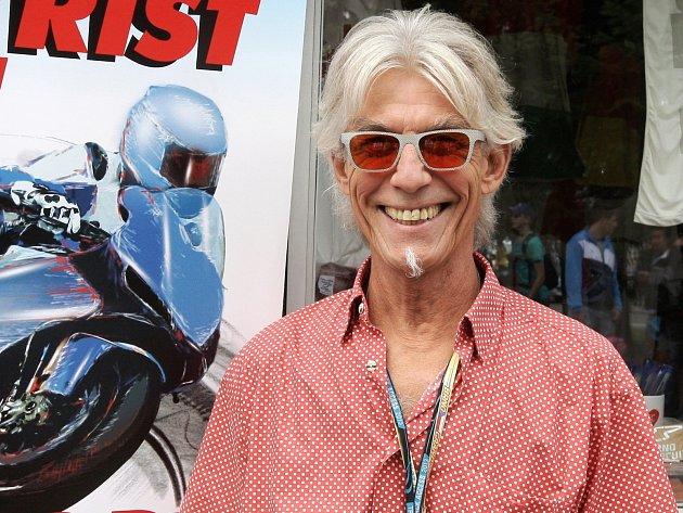 Osmašedesátiletý Keith Code z americké Kalifornie přijel o víkendu na motocyklovou Velkou cenu České republiky na Masarykův okruh představit překlad své knihy Twist of the Wrist II.