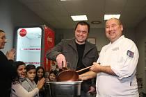 V centru Brna otevřel Bonjour. Lidem nabízí večerní degustační menu i školy vaření.