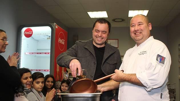 V novém studiu naučí v kurzech lidi vařit i z irského mechu