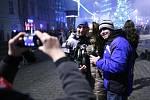 Konec starého a začátek nového roku přišly na náměstí Svobody v Brně oslavit tisíce lidí.