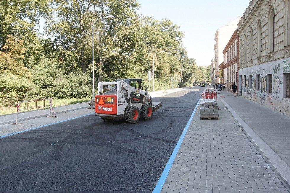 Opravená ulice Lužánecká v Brně.