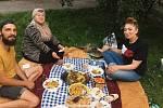 Akce Česko jde spolu na piknik vyzvala lidi z různých míst naší země, aby pořádali ve stejný čas piknik. Na snímku loňský piknik v havířově.