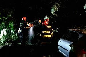 Jihomoravští hasiči v souvislosti s noční bouřkou a silným větrem zasahovali u 21 událostí.