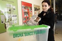 Speciální box na knihy připravili v Knihovně Jiřího Mahena v Brně. Lidé do ní mohou dávat knihy, které už doma nechtějí.