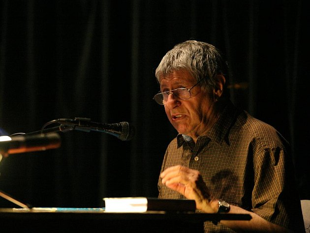 Spisovatel Ivan Klíma.