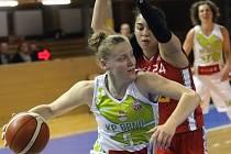 Basketbalistky KP Brno přehrály v prvním utkání play-off o bronzovou medaili v Ženské basketbalové lize doma Nymburk 74:62.