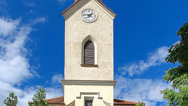 Přísnotický kostel svatého Václava z roku 1873.
