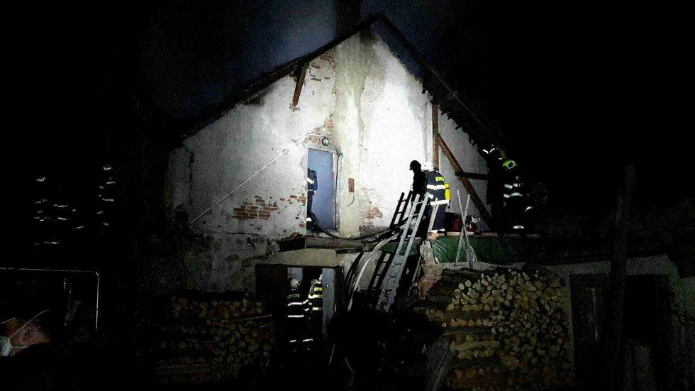 V noci na pondělí likvidovali hasiči požár v Borači na Brněnsku.