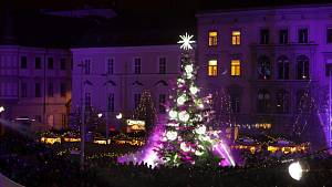 Zahájení vánočních trhů v Brně a kelímky i hrnečky na cestách