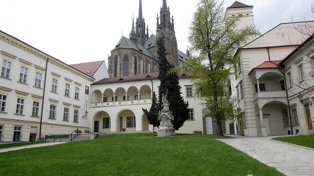 Biskupský dvůr v Brně. Archivní snímek
