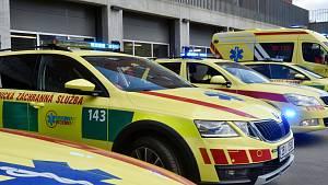 Houkající Brno: záchranáři vzdali hold všem zdravotníkům. Podívejte se jak