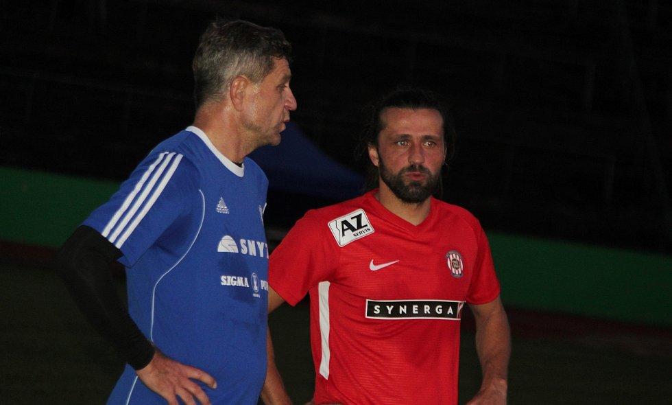 Za Lužánkami se ve čtvrtek utkaly legendy Zbrojovky Brno a Sigmy Olomouc. Pavel Zavadil v debatě s Josefem Muchou.