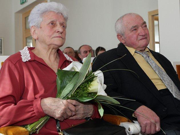 Manželé Květoslava a Vladimír Neuschlovi.