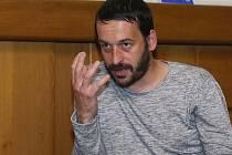 Režisér výročního představení JAMU Stano Slovák.