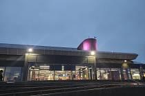 Brněnskou výpravu přivítaly na islandském letišti tma a déšť.