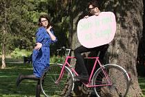Nadšenci z projektu Rekola v parku Lužánky slavnostně spustili takzvaný bikesharing.