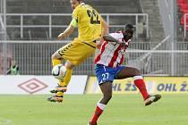 Dani Chigou (vpravo) si první ligu v dresu Zbrojovky nezahraje. V brněnském týmu končí.