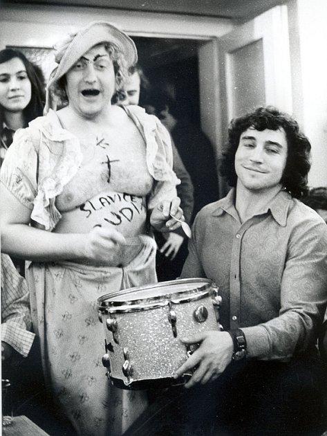 Velkým přítelem Rudyho Kovandy (vlevo) byla další z brněnských legend, Franta Kocourek (vpravo).