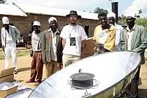 V AFRICE. Tomáš Miléř pomáhá Keňanům.
