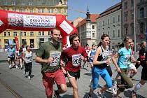 Na náměstí Svobody se pořádala akce Brněnské běhy, zůčastnit se mohl každý.
