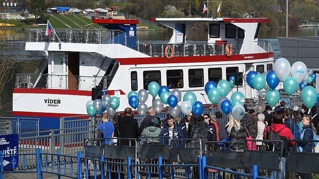 Lodě po zimě poprvé vypluly na Brněnskou přehradu. Cestující svezly zadarmo
