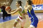 S mistrovským USK Praha sváděly basketbalistky KP Brno vyrovnaný souboj. Přesto nakonec podlehly 66:87. Na snímku Jandová - Elhotová Karolína (USK).
