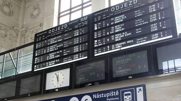 Kdo dodá na jih Moravy vlaky  Čechům konkurují Kanaďané i Švýcaři ... 9559f3dfe13