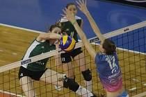 Brněnské volejbalistky (v zeleném) podlehly Beziers jasně 0:3 a skončili v pohárové Evropě.
