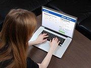 Internet a sociální sítě nejsou jen místem zábavy, ale také nebezpečí. Ilustrační foto.