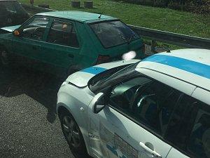 Hromadná nehoda šesti aut zablokovala na D2 sjezd do Olympie a na Modřice