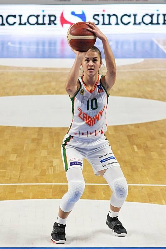 Basketbalistka brněnských Žabin Eliška Hamzová patřila v minulé sezoně k nejvíc vytěžovaným hráčkám týmu.