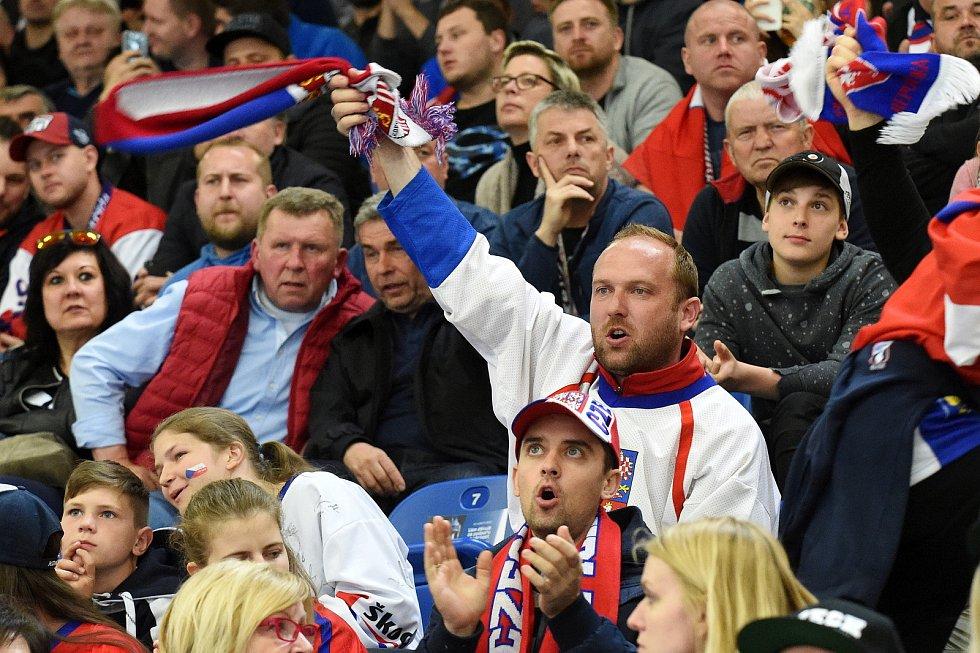 Úvodní zápas Carlson Hockey Games v brněnské DRFG aréně mezi Českou republikou  v bílém a Finskem