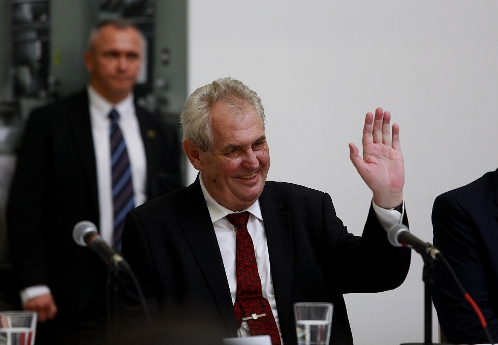 Třetí a zároveň závěrečný den prezidenta České republiky na návštěvě Jihomoravského kraje strávil Miloš Zeman v Brně a Kuřimi.
