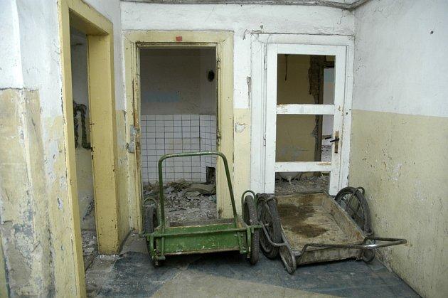 Některé byty bývají ve skutečně žalostném stavu.