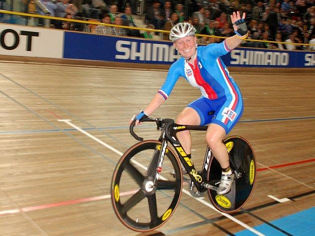 Dráhová cyklistka Jarmila Machačová si vyjela bronzovou medaili.