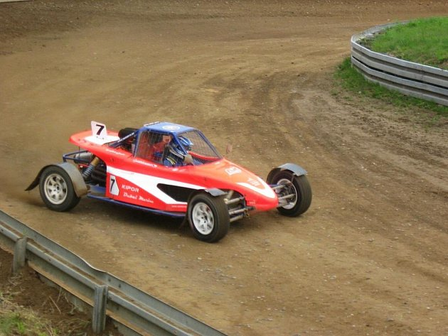 Brněnský autokrosový závodník se stal nejmladším vítězem závodu mistrovství Evropy.