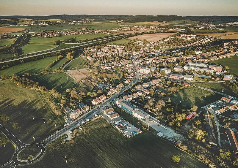 Nadhled nad Bosonohami od Sdružení Pelčák a partner architekti a HBH Projekt.