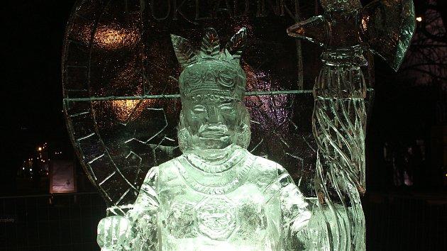 Ledový Inka dohlíží na trhy na Moravském náměstí. Největší nepřítel? Teplo