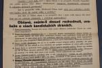Z PRVNÍ REPUBLIKY. Technologie tiskáren v dvacátých a třicátých letech minulého století neumožňovaly používat příliš grafických prvků. Tehdejší politické letáky jsou typické množstvím textu a velkým písmem.