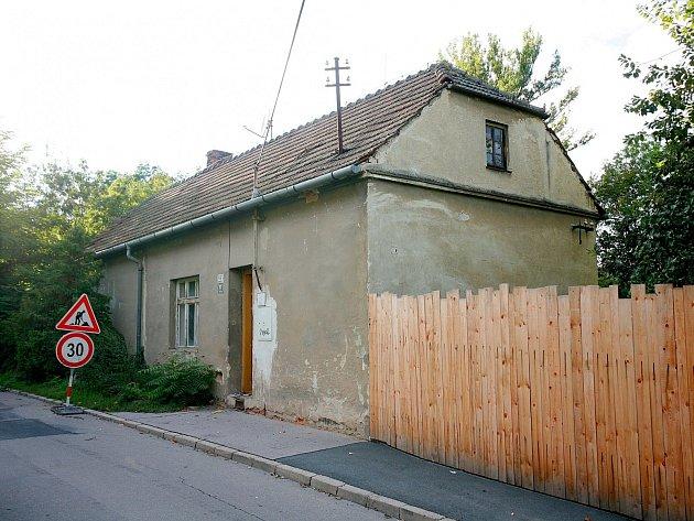 Opozice podezřívá radní z korupce kvůli prodeji domu v Kamenné ulici.
