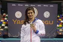 Brněnská zápasnice Adéla Hanzlíčková ovládla turnaj Yasar Doğu v tureckém Istanbulu.