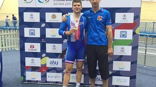 Talent brněnské Dukly Jiří Janošek získal na juniorském mistrovství světa stříbro v keirinu.