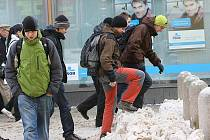 Čtvrtek byl v Brně ve znamení všudypřítomného sněhu.