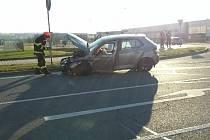 Řidička nedala přednost v jízdě, vrazila do ní dodávka.
