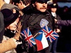 Městská policie završuje pětadvacátý rok svého fungování. Chránila za tu dobu Alžbětu II. i papeže.