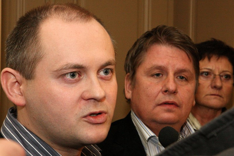 Uzavřená koalice, Hašek a Venclík