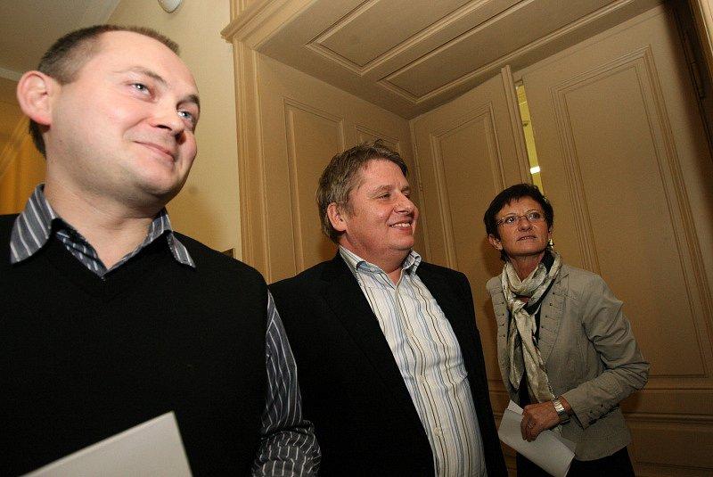 Uzavřená koalice, Hašek a Venclík a Anna Procházková