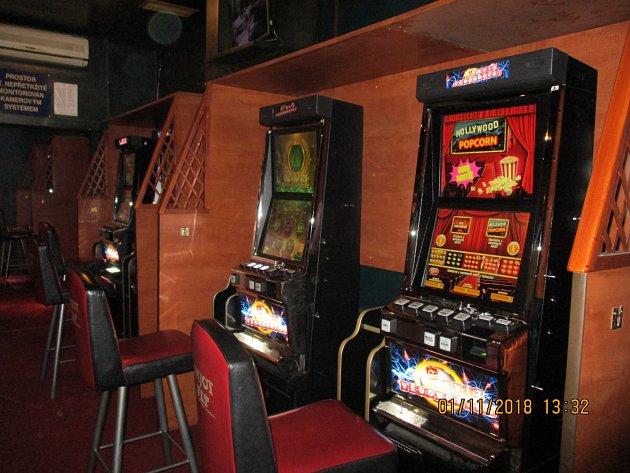 Zátah proti hazardu. Celníci na jihu Moravy zabavili šestačtyřicet automatů
